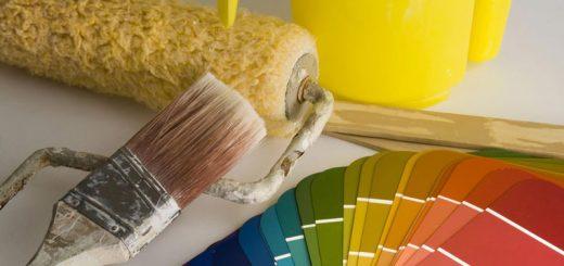 روانشناسی رنگ ها - نقاشی ساختمان با قلمو و غلطک